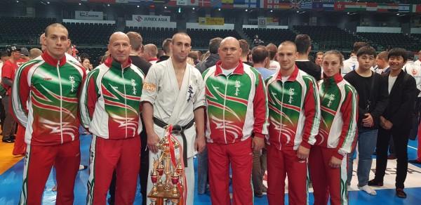 Съдийска тесла за Валери Димитров на Световното по карате (СНИМКИ)