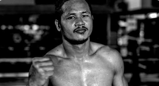 Муай тай легенда се завръща срещу световен шампион