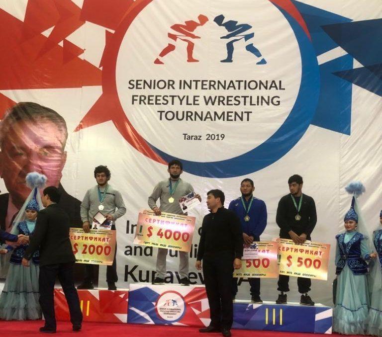 Ахмед Магамаев спечели титлата на турнир по борба в Казахстан