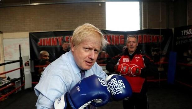 Премиерът на Великобритания се готви за дебат с бокс