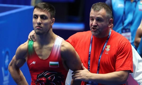 НА ЖИВО: Двама родни борци в битка за световни медали