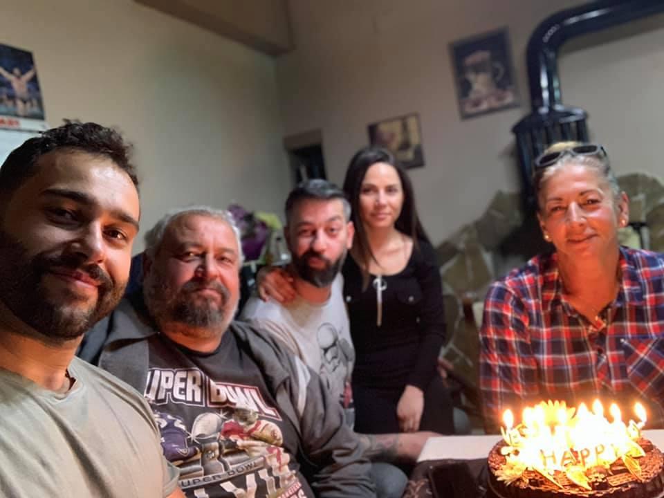 Русев отпразнува рождения ден на майка си в България (СНИМКИ)