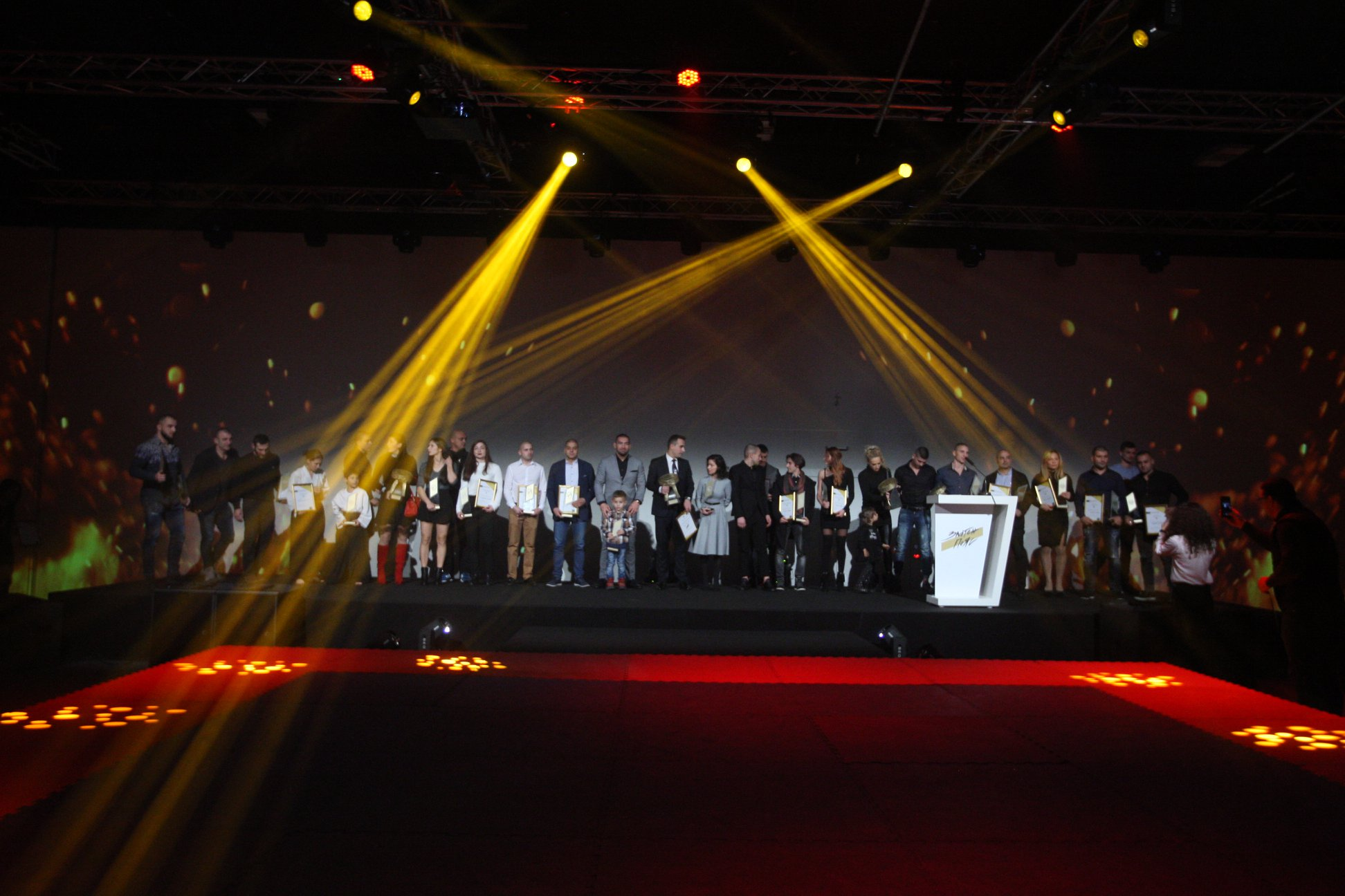 """Boec.BG и Bulgaria ON AIR показват церемонията """"Златен пояс"""" (ВИДЕО)"""