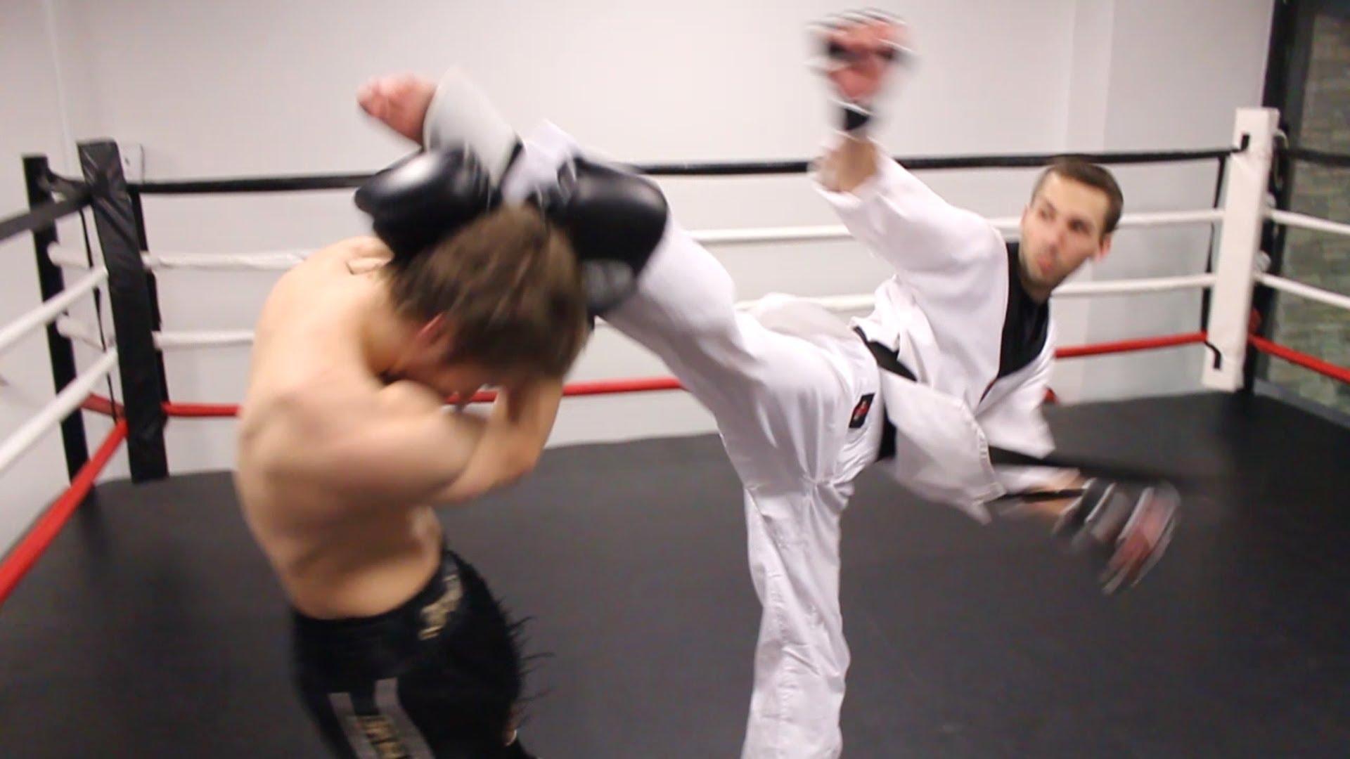Брутален нокаут: Боксьор срещу каратист (ВИДЕО)