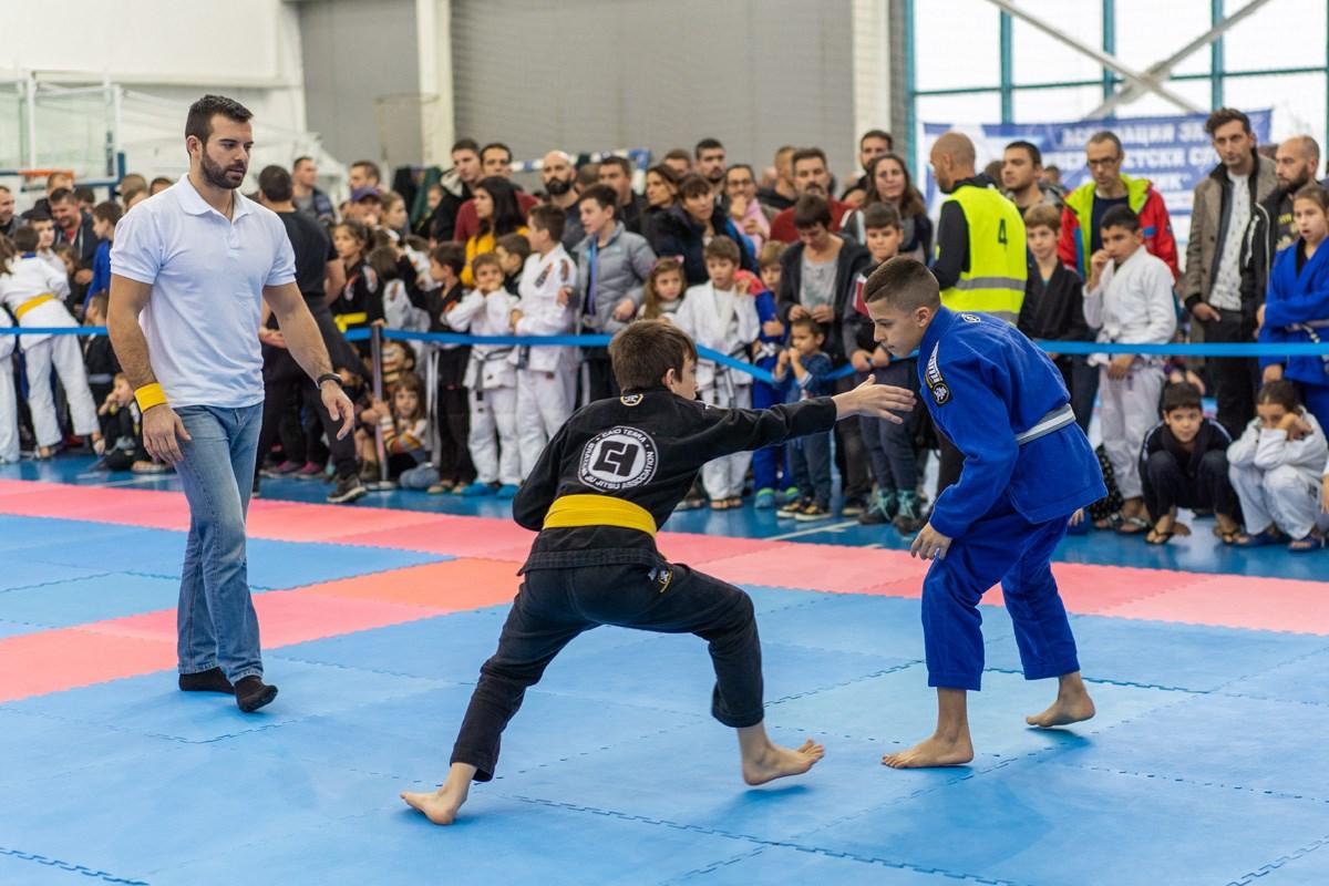 Над 300 състезатели премериха сили на София Опън