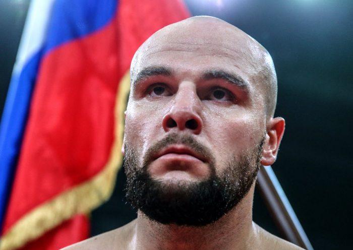 Руски боксьор ядоса феновете заради нокаут по време на спаринг (ВИДЕО)
