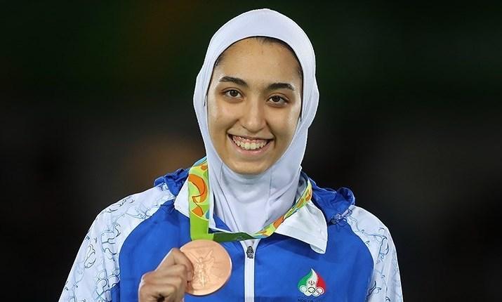 Единствената медалистка на Иран от Олимпийски игри емигрира от страната си