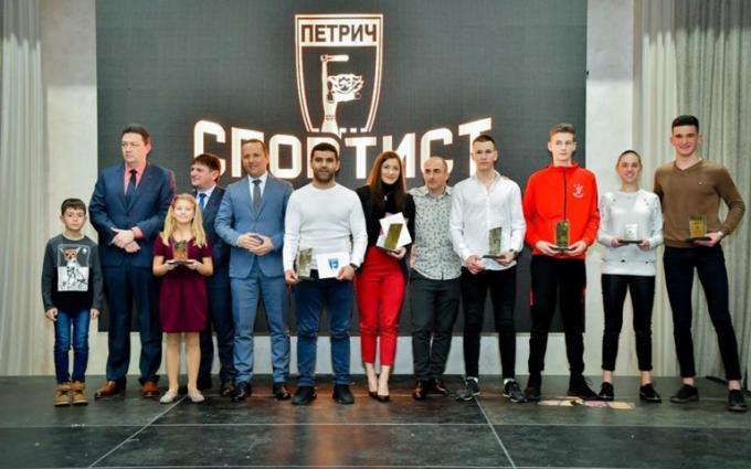 """Евелина Николова е """"Спортист на годината"""" и на Петрич"""