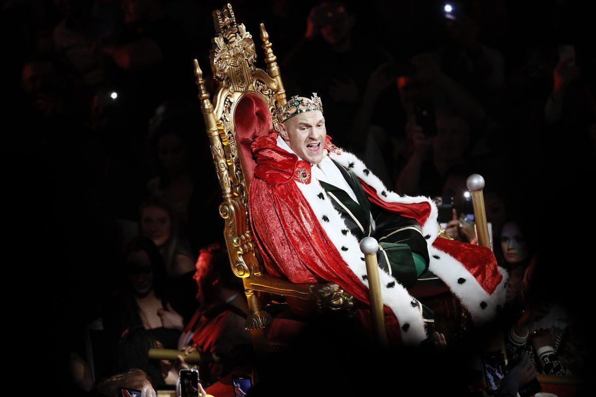 Тръмп и папа Франциск поканиха световния шампион Фюри