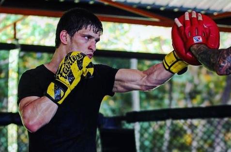 Инцидент с мотор вади боец от UFC 248 (СНИМКА)