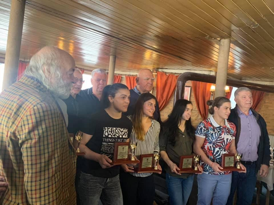 Левски връчи премии на националки по борба