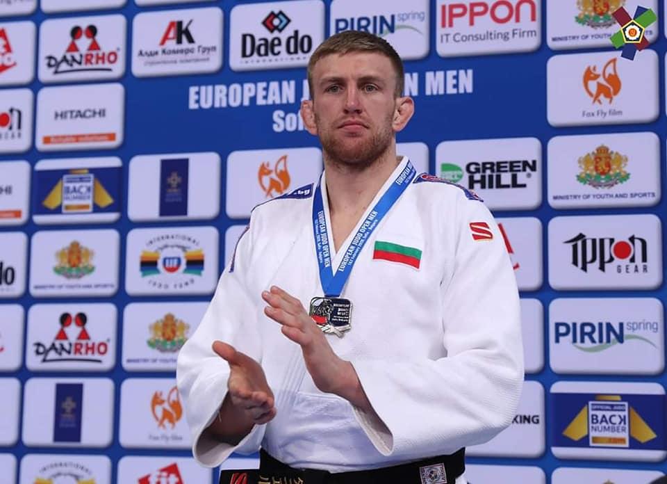 Даниел Дичев е с COVID-19 и пропуска Европейското първенство