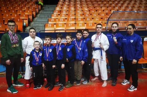 8 медала спечелиха родни каратисти на турнир в Сърбия