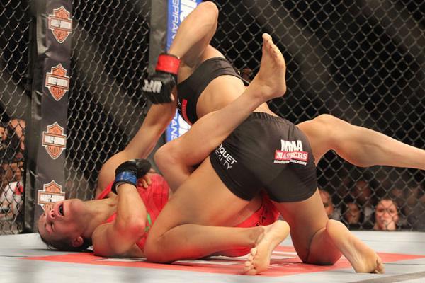 Зрелищният дебют на Аманда Нунеш в UFC (ВИДЕО)