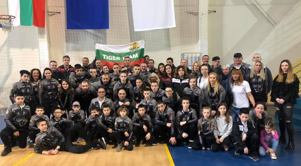 Клуб по бойни спортове помага в борбата с COVID-19