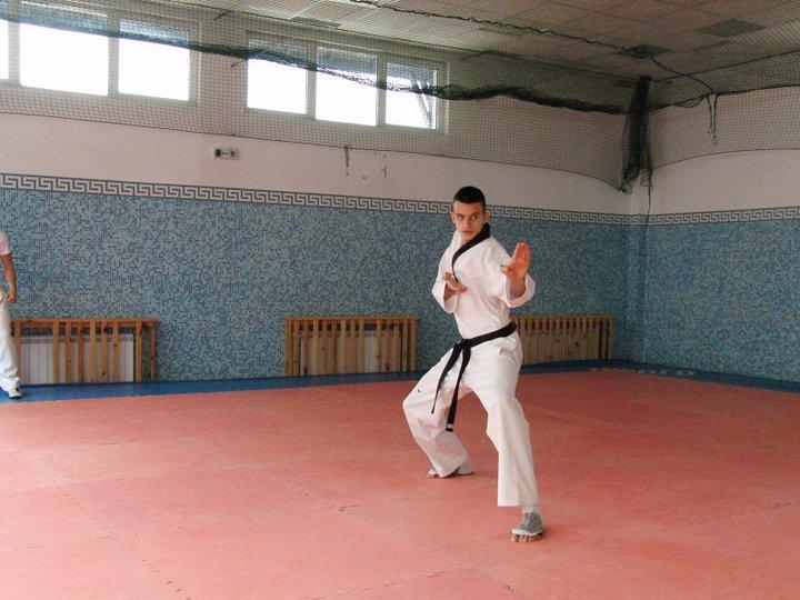 Владимир Далаклиев демонстрира умения в леката атлетика (ВИДЕО)