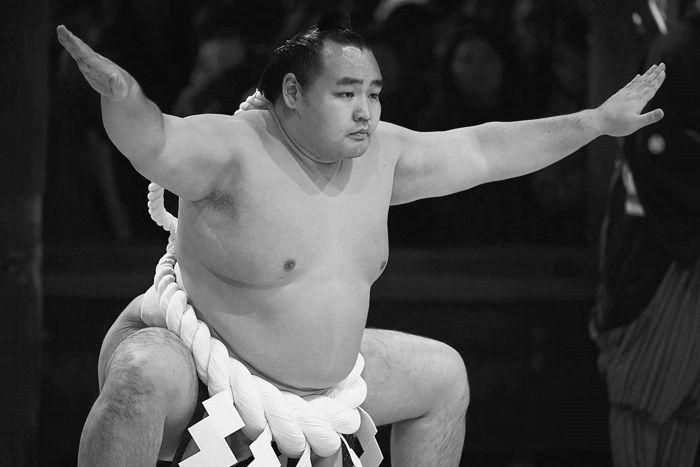 Японски сумист загуби борбата с COVID-19