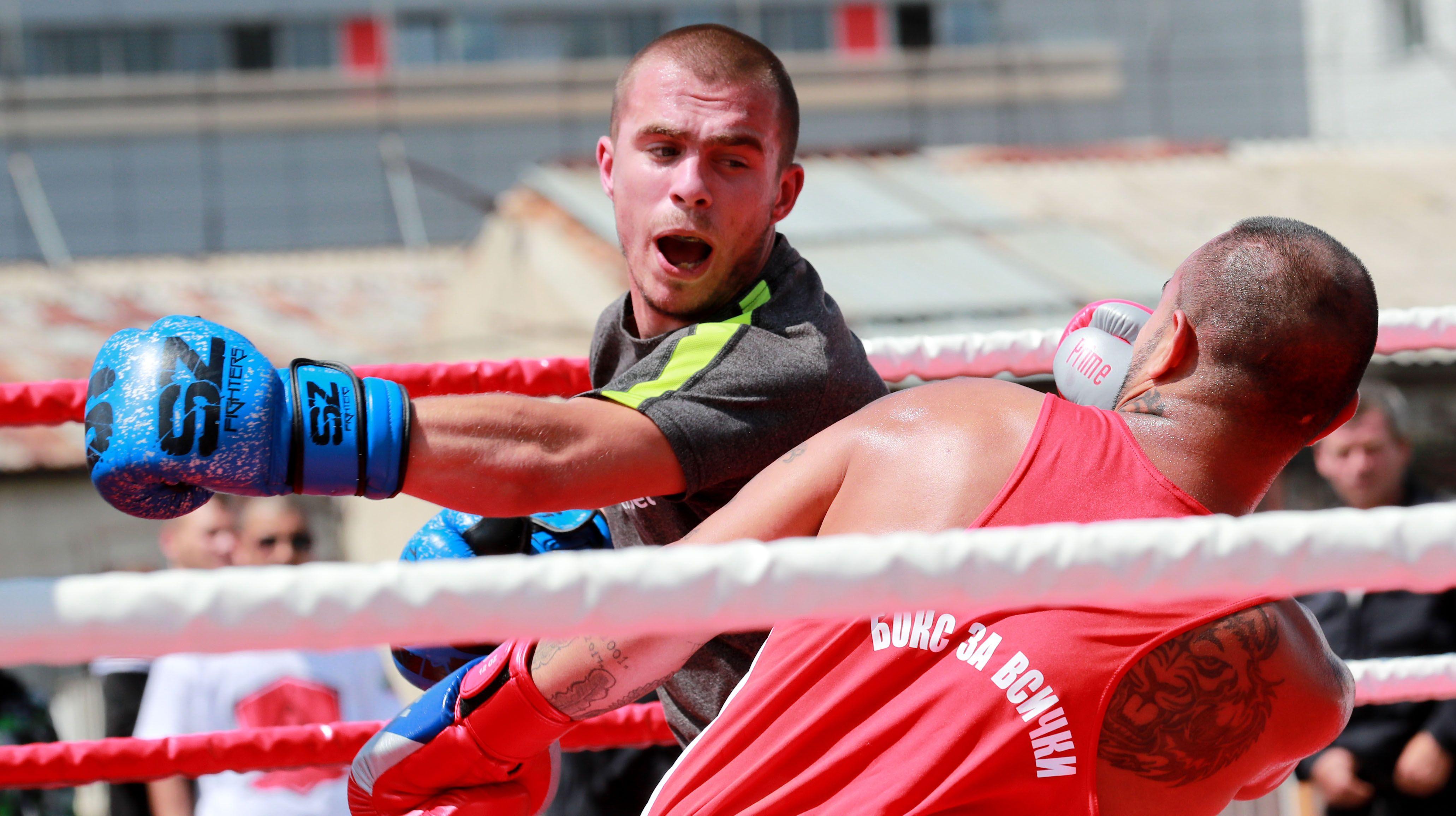 Кралев, Инински и олимпийски шампион изгледаха турнир в затвора
