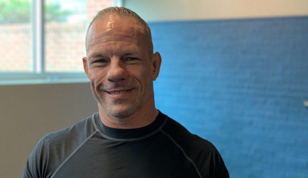 Ветеран от UFC се завръща на 46 години
