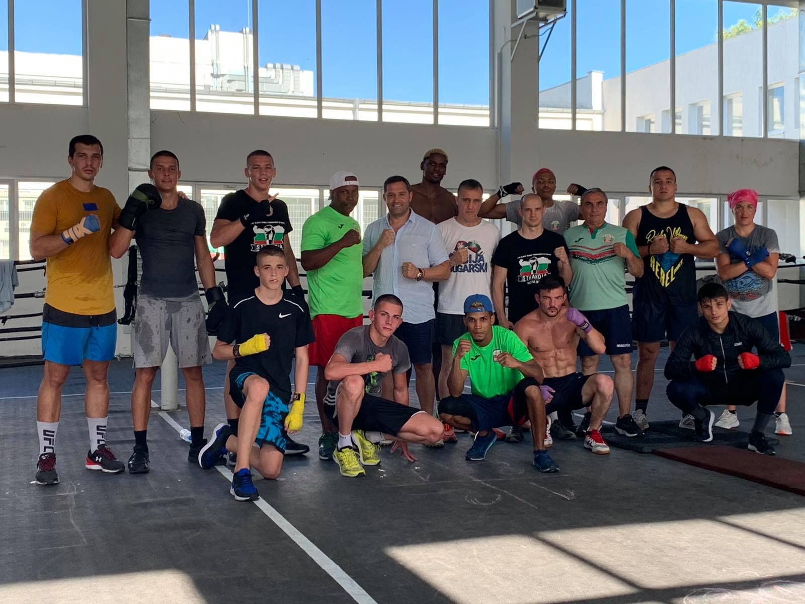 Красимир Инински посети лагера на националите по бокс