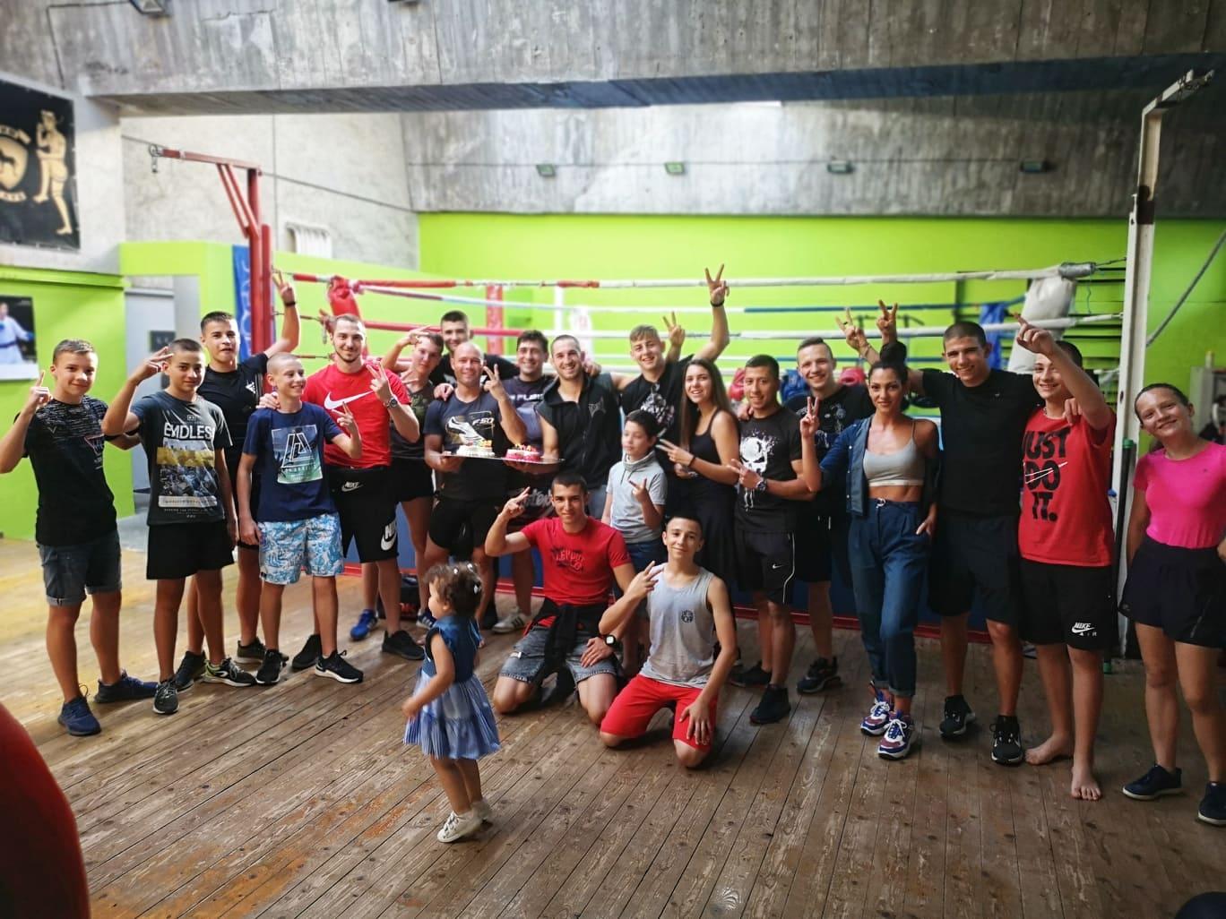Бойците от ТИМ изненадоха Владимир Вълев-Питбула за рождения ден