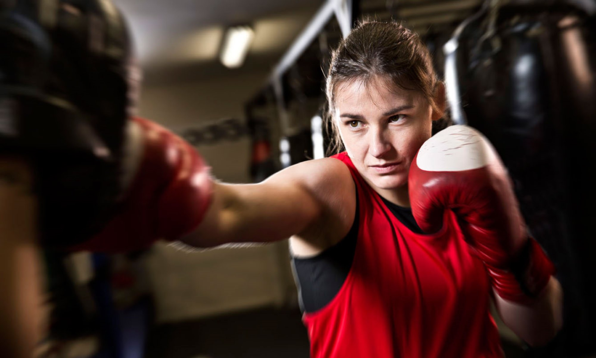 Непобедена боксьорка поиска битка с Крис Сайборг
