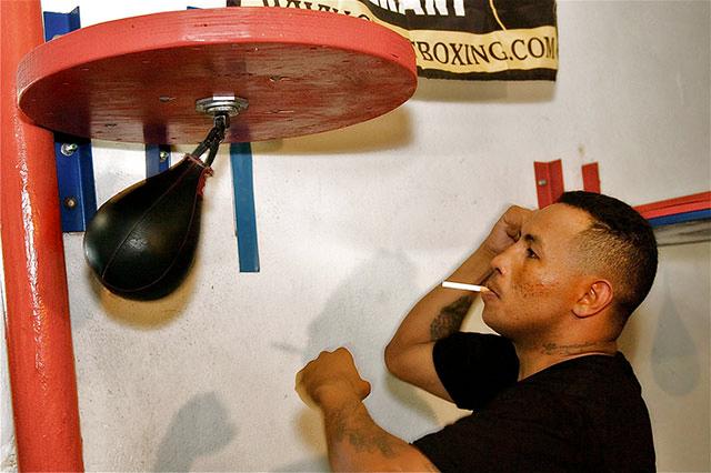 Бивш световен шампион по бокс влезе в клиника за зависимости