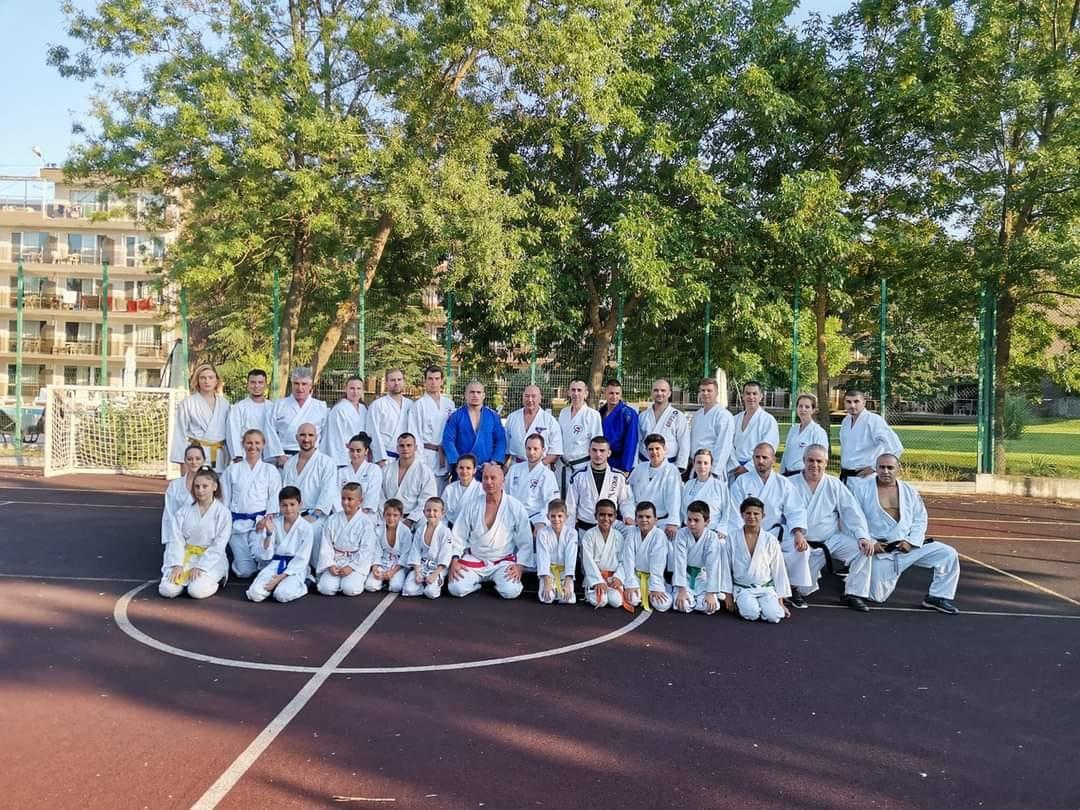 Българска джу джицу федерация проведе изпити за степен и летен лагер