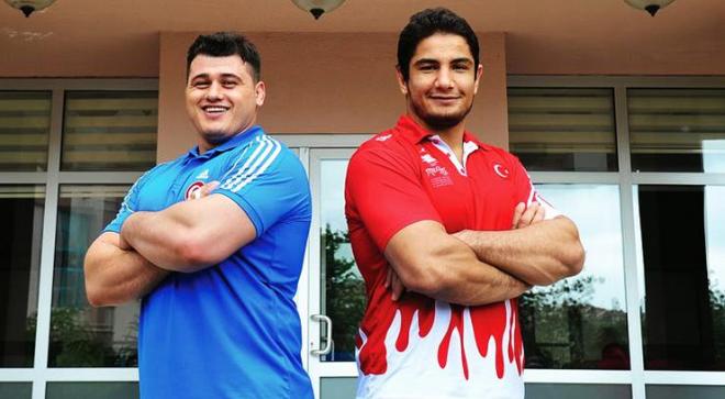 Легендарни борци отвориха общ спортен център (СНИМКИ)