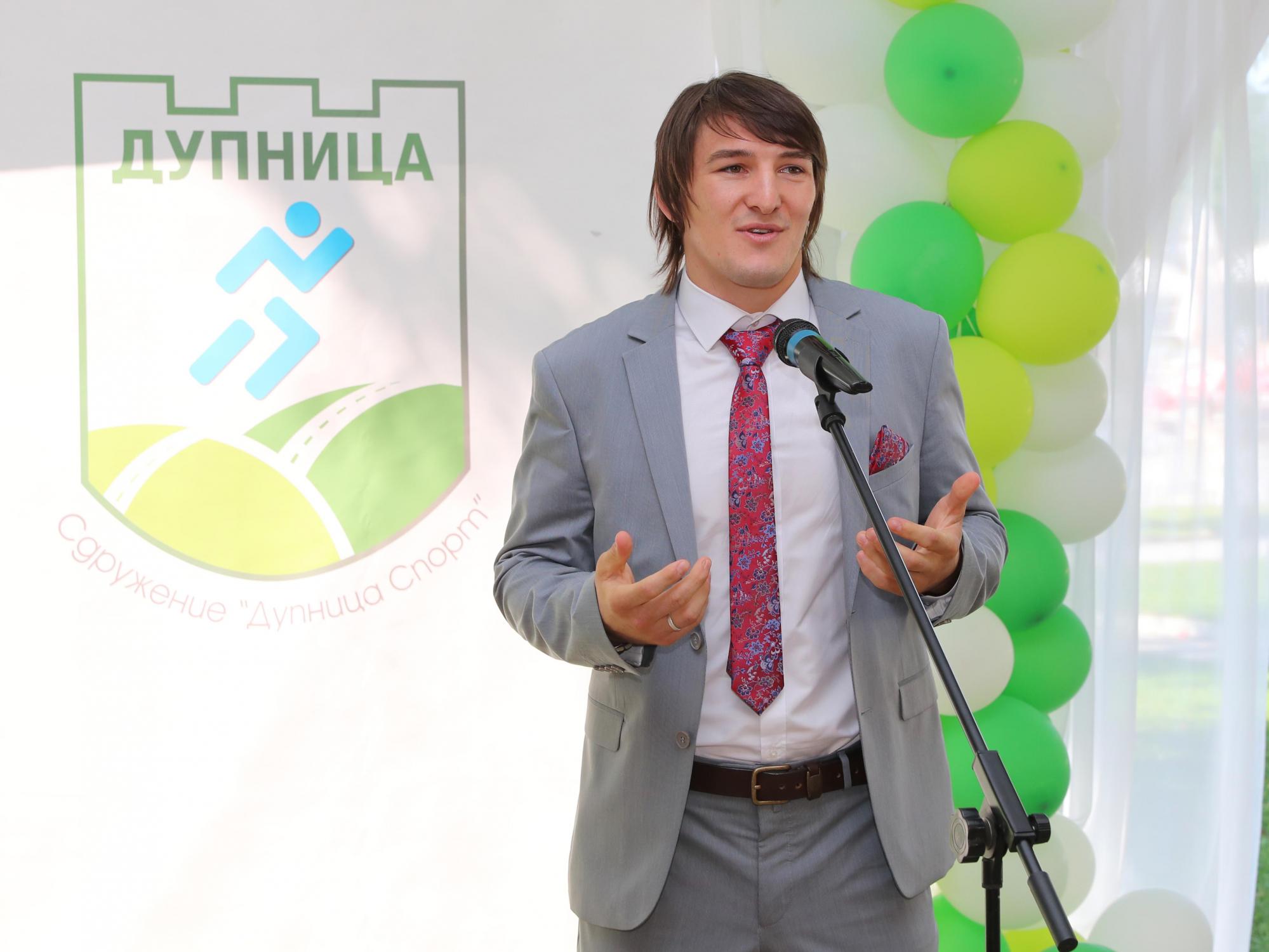"""Даниел Александров преряза лентата на """"Дупница спорт"""" навръх рождения си ден"""