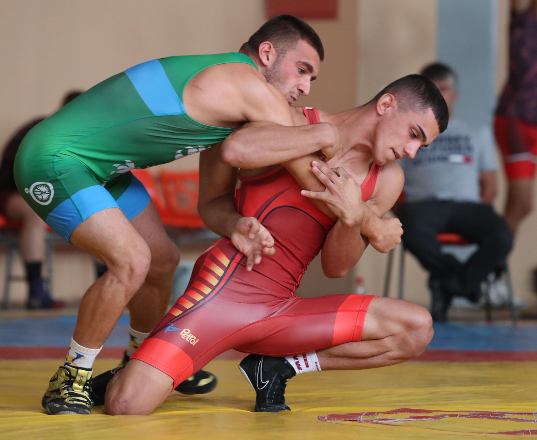 Рухан Расим на финал на държавното по борба за юноши