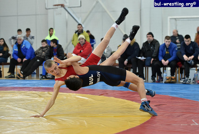 Над 120 борци участват в държавния шампионат за кадети