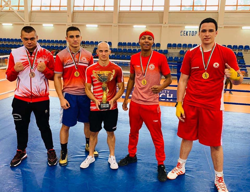 ЦСКА с отборната титла на Държавното по бокс за младежи