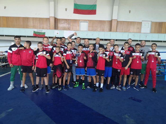 Локо София с отборната титла на държавното по бокс за ученици
