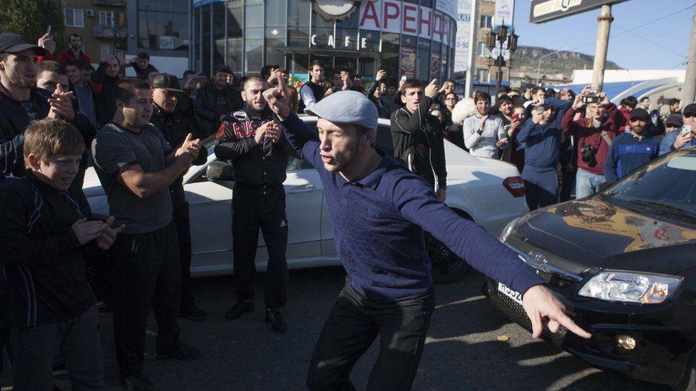 Дагестан не спа цяла нощ след победата на Хабиб (ВИДЕО)