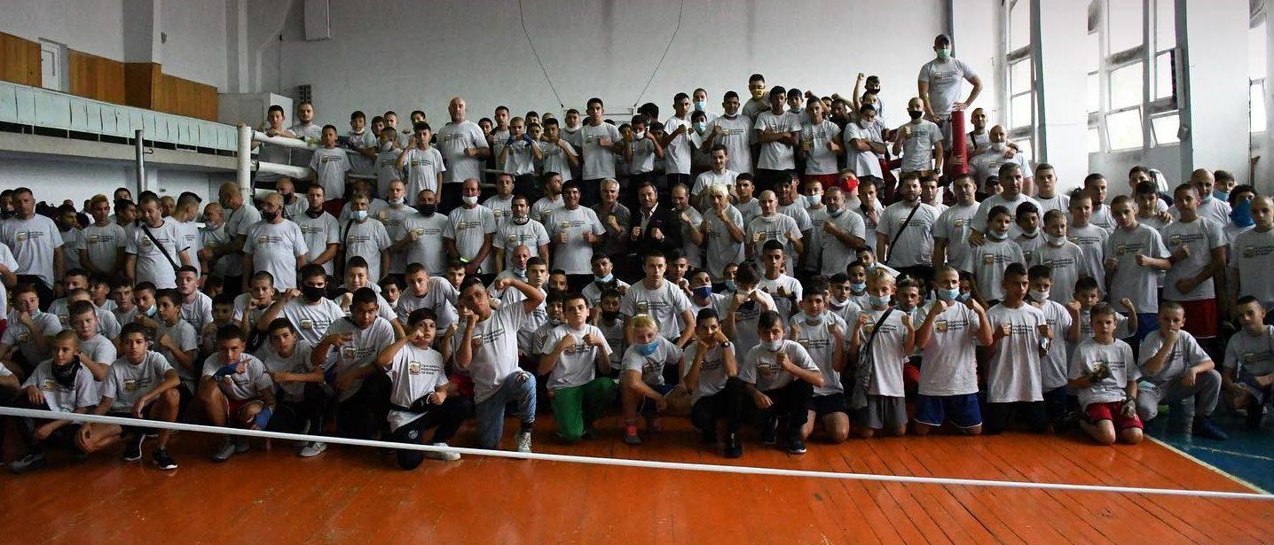 Натоварена седмица за националните ни гарнитури в бокса