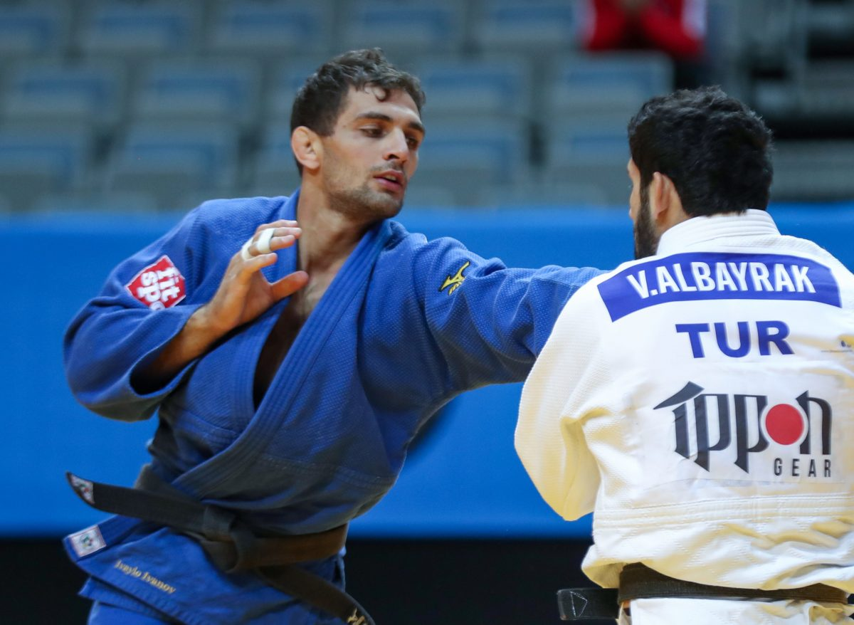 Успешен старт за Ивайло Иванов в Доха