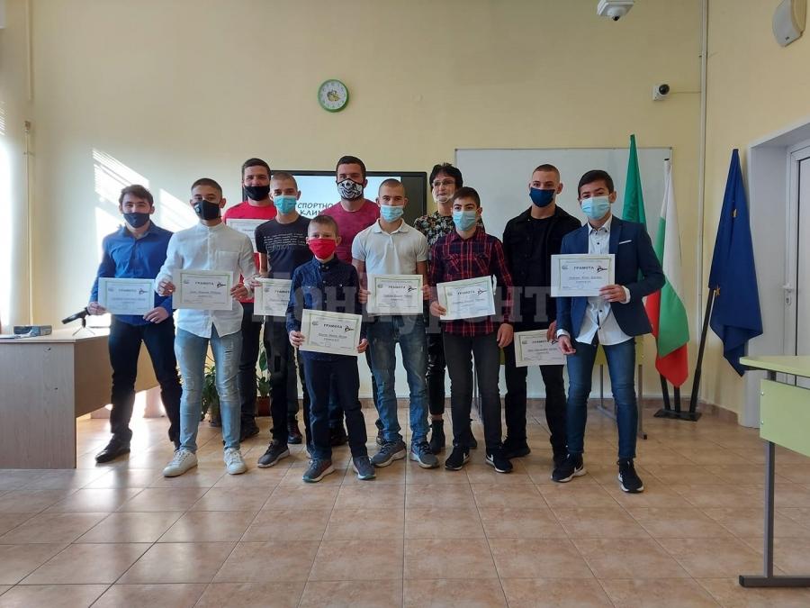 Десет борци избрани в топ 10 на Враца