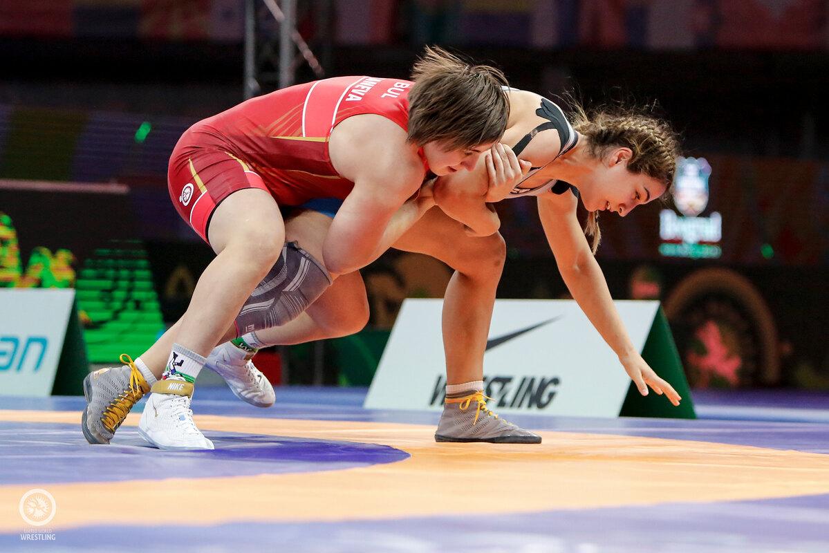 България влезе в топ 10 в класирането по медали на Световната купа по борба