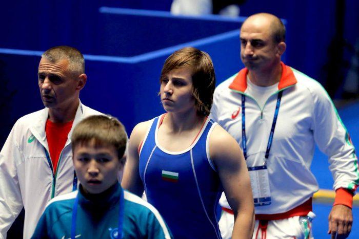 Юлияна Янева на 1/2-финал на Европейското по борба
