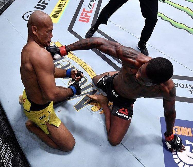 Невероятен нокаут на UFC 256 (ВИДЕО)