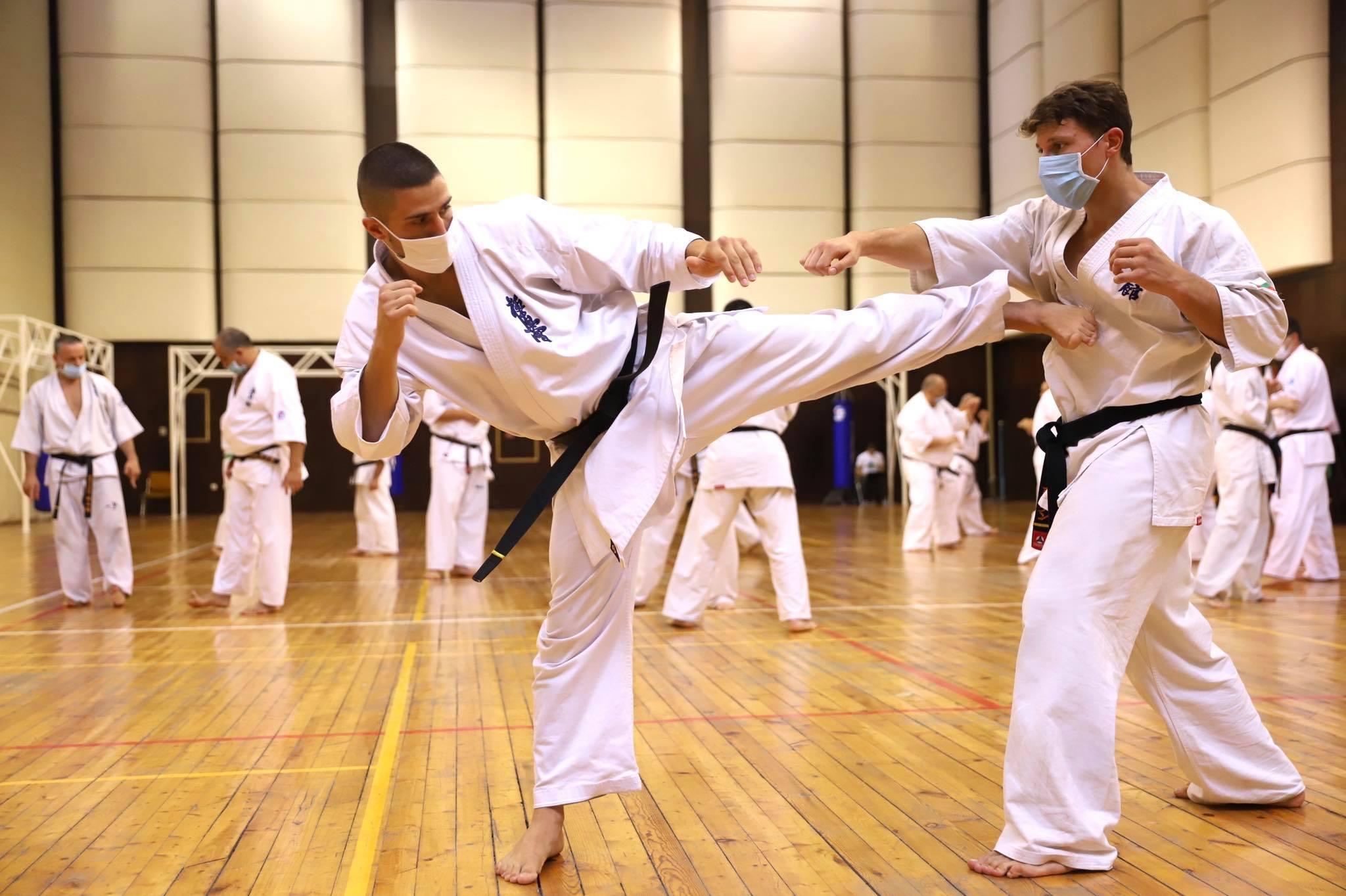 Как спортът помага на малки и големи за справяне с COVID -19