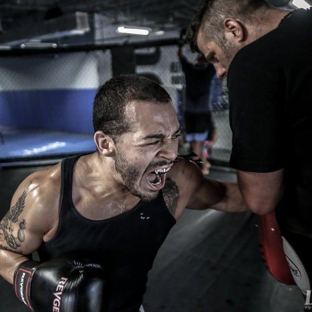Боец от UFC опита да убие сестрите си