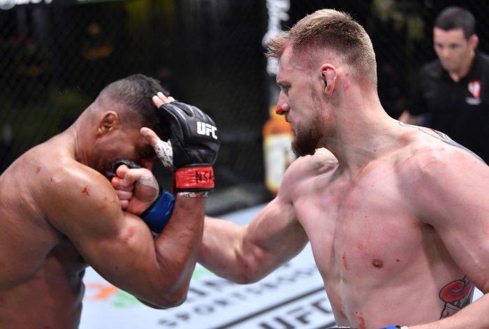 Волков измести Овърийм при най-тежките в UFC (КЛАСАЦИЯ)