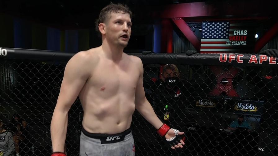 Мач от UFC Вегас 19 бе отложен, докато боец чакаше съперника си в клетката