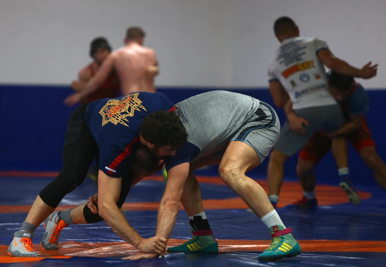 Разделят националите по борба в различни лагери преди турнира в Киев