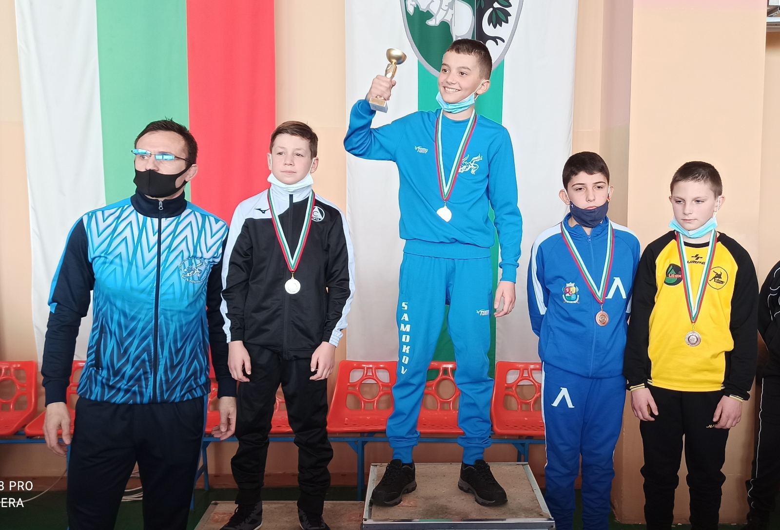Внук на легенда грабна медал в Сливен