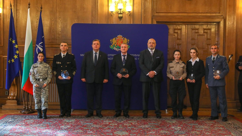 Ивайло Иванов и още двама бойци отличени за най-добрите военнослужещи