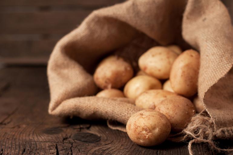 Торба картофи едва не изхвърли боец от UFC