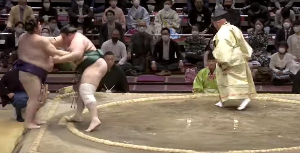 Аоияма с пета победа в Токио (ВИДЕО)